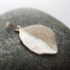 Fall Leaf Pendant in Silver