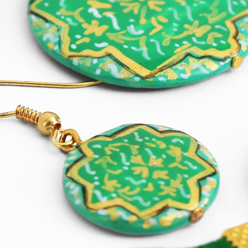 green enamel jewelry set with necklace bracelet and