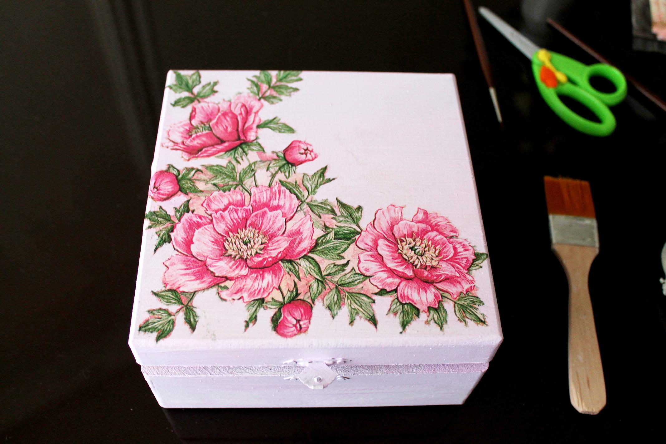 14.drying-decoupage-box